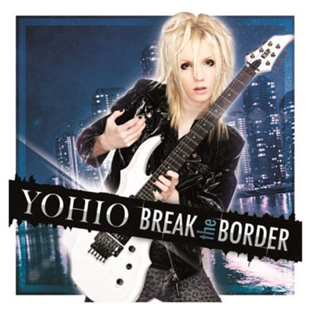 """Cover of the Japanese Deluxe edition of """"BREAK the BORDER"""""""