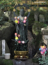 The Jizō who protects the souls of babies who were stillborn, miscarried, or aborted (Nanzōin, August 2010)